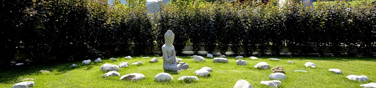 Geh-Meditation im Garten, by marketing deluxe, flickr.com