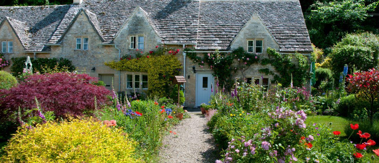 Landhaus mit Garten, England