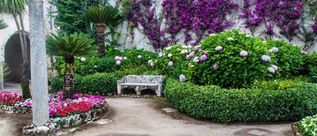Garden der Villa Rufolo in Ravello village, Amalfiküste, Italien
